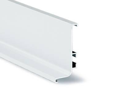 Горизонтальный профиль верхний для нижних кухонных баз GOLA ALPHALUX (L=4.1 м, алюминий белый) Изображение