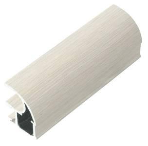 Профиль-ручка асимметричная, алюминий в ПВХ, L=5400 мм, дуб дымчатый с тиснением. Изображение