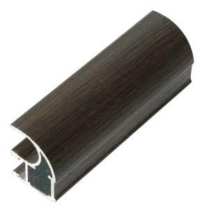 Профиль-ручка асимметричная, алюминий в ПВХ, L=5400 мм, венге темный с тиснением. Изображение