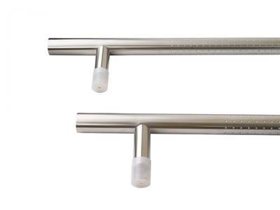 Ручка для алюминиевых дверей со смещением, комплект с креплением L= 1400, м/о 1200, D=32, перф. Изображение 2