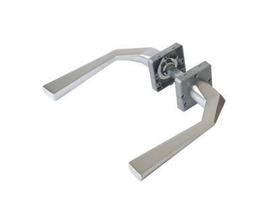 Ручка дверная, с раздельной квадратной накладкой, хром матовый Изображение 3